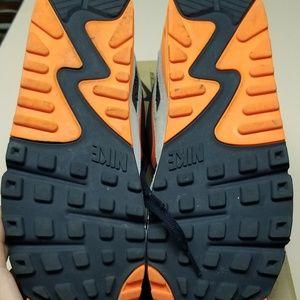Nike Shoes - Nike Air Max 90 premium
